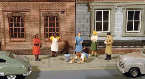 Bachmann HO SceneScapes 33117 Sidewalk People (6)