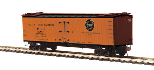 MTH HO 80-94058 R40-2 Woodside Refrigerator Car, Pacific Fruit Express #38552