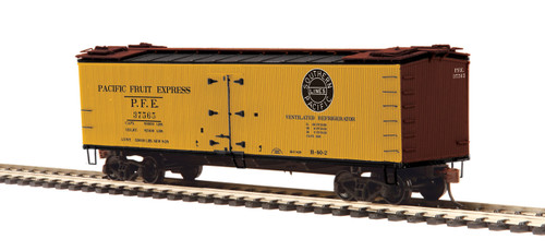 MTH HO 80-94067 R40-2 Woodside Refrigerator Car, Pacific Fruit Express #37569