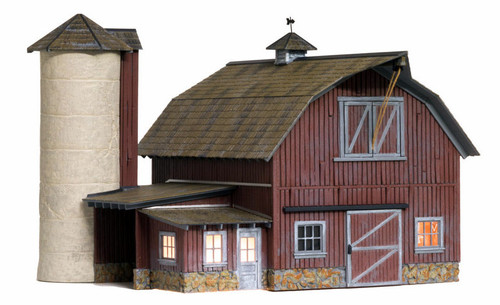 Woodland Scenics O BR5865 Built and Ready Old Weathered Barn (Lighted)