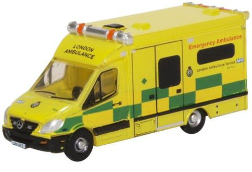 Oxford Diecast N NMA002 Mercedes-Benz Ambulance, London