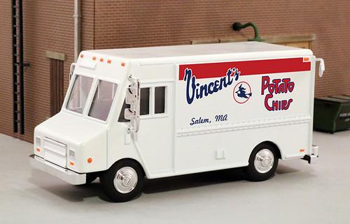 American Heritage Models O 48077 Delivery Step Van, Vincents Potato Chips