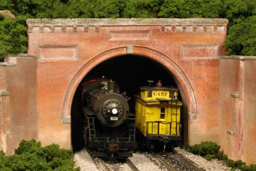 Monroe Models HO 151 B&O Style Double Track Tunnel Portal, Brick