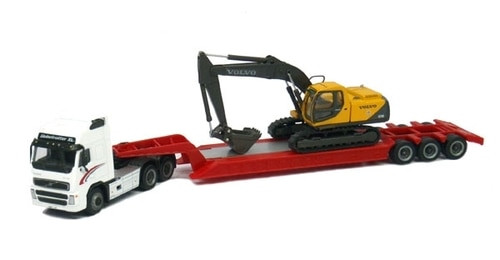 Cararama HO 185-002 Diecast Volvo FH12 with Lowboy and Volvo EC210 Tracked Excavator