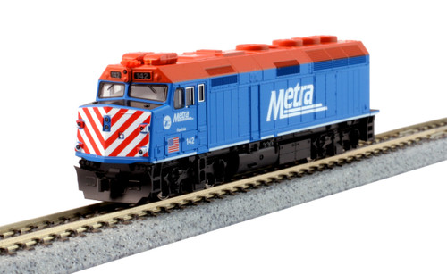"""Kato N 1769104-DCC EMD F40PH with Ditch Lights, Chicago Metra """"City of Ravinia"""" #142 (TCS K5D7 Decoder Installed)"""