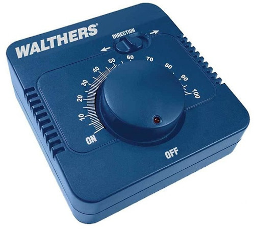 Walthers 942-4000 DC Train Control, 2 Amps for HO, S, O