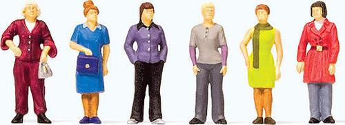 Preiser HO 10629 Standing Women (6)