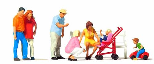 Preiser HO 10695 Family Day Out (7)