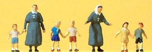 Preiser N 79211 Protestant Sisters with Children