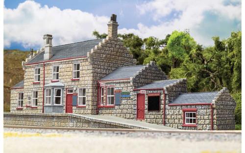 Hornby HO R7230 Harry Potter Hogsmeade Station Building