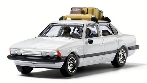 Woodland Scenics HO AS5370 Family Vacation Sedan