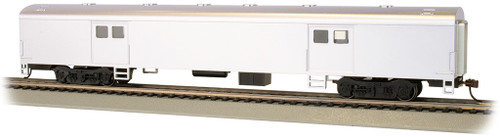 Bachmann HO 14405 72' Smooth Side Baggage Car, Undecorated