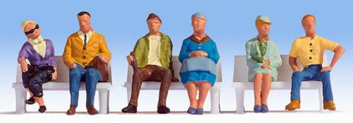 Noch HO 15532 Sitting People (6)