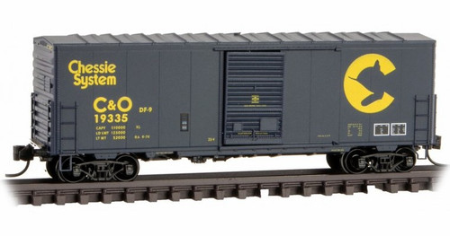 Micro-Trains N 02400450 40' Standard Box Car with Single Door and No Roofwalk, Chesapeake and Ohio #19335