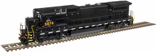 Atlas Master Line HO 10003061 Silver Series Dash 8-40B, CSX (ex-NS) #5974