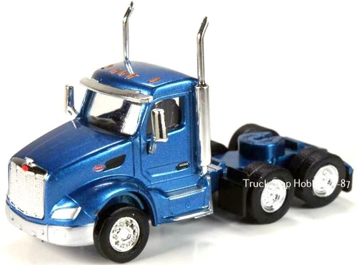 Trucks N Stuff HO 410532 Peterbilt 579 3-Axle Daycab (2-Pack)