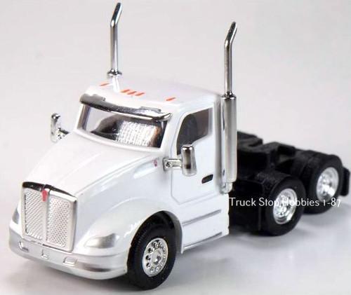 Trucks N Stuff HO 410683 Kenworth T680 3-Axle Daycab (2-Pack)
