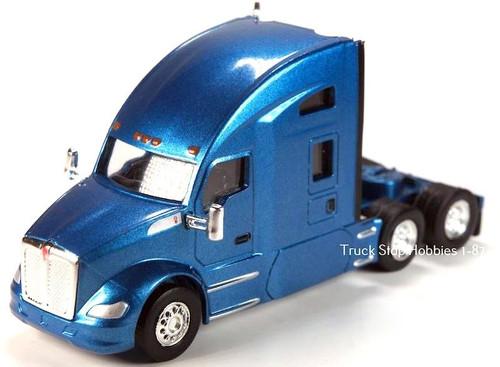 Trucks N Stuff HO 410692 Kenworth T680 Sleeper Cab (2-Pack)