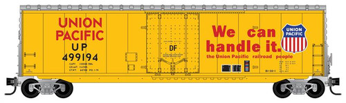 Micro-Trains N 18100142 50' Standard Box Car with 8' Plug Door, No Roofwalk, and Short Ladders, Union Pacific #499194