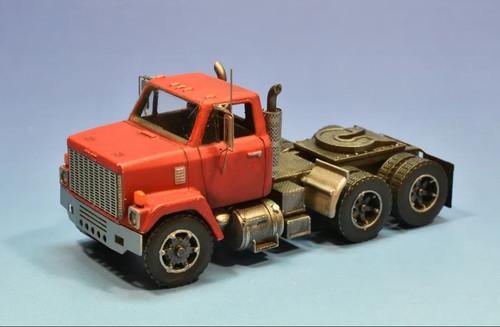 Showcase Miniatures HO 3008 80s GMC Brigadier 9500 Truck Kit