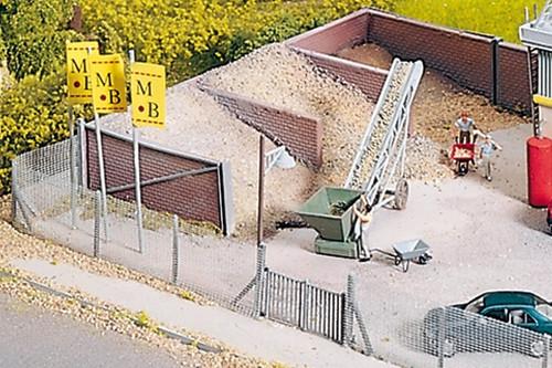 PIKO HO 61132 Concrete Plant Sand Bunkers Kit