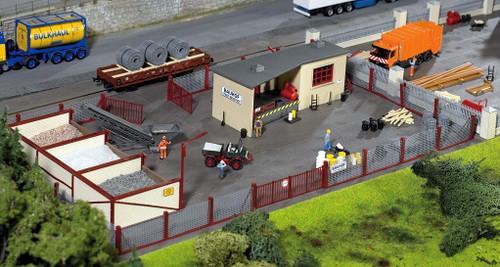 PIKO HO 61153 Neustadt Gravel Yard Kit