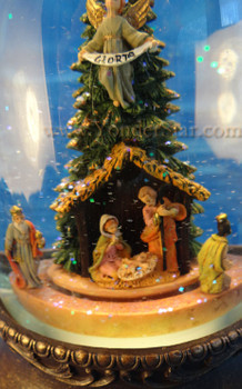 Musical Fontanini Nativity Glitterdome Lighted w Motion 66099