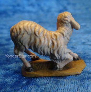 Sheep Kneeling Reindl Italian Nativity
