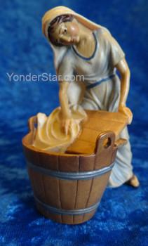 Nazarene Washer Woman for LEPI Nazarene Wooden Nativity