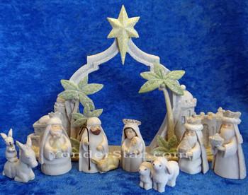 Gifts of Glory Nativity Set