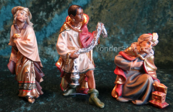 Nazarene Wisemen for LEPI Wooden Nativity w 24  Carat Gold Highlights