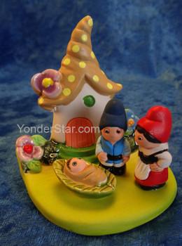 Gnome nativity scene