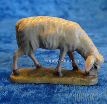 Sheep Grazing LEPI Reindl Handcarved Nativity