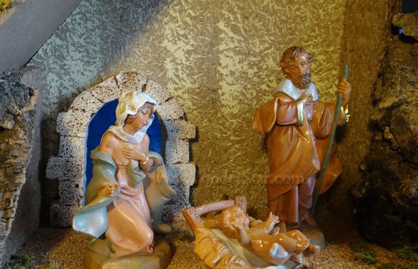 "5"" Fontanini Nativity Set w 10"" Wooden Stable 54710"