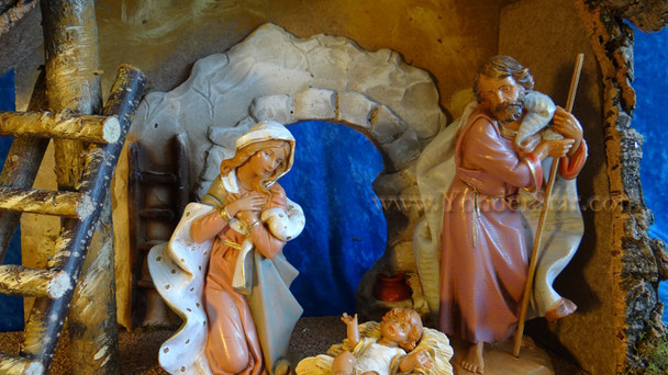 """7.5"""" Fontanini Nativity Set with Large Wooden Stable 54850"""