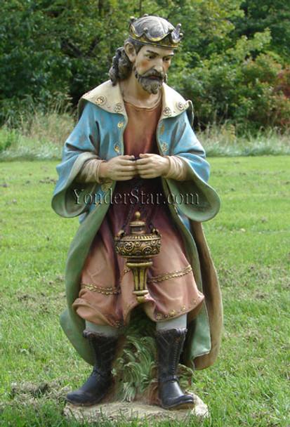 outdoor nativity wiseman king