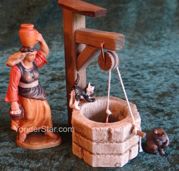 Reindl Nativity Town Well Scene LEPI Wooden Handcarved Nativity