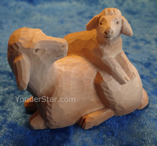 White Sheep with Lamb - Huggler Nativity Woodcarving - 14cm Scale
