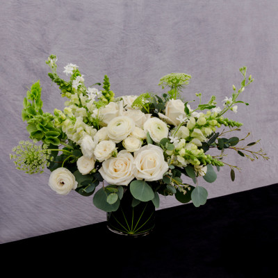 timeless white blooms : inspired beauty meets botany