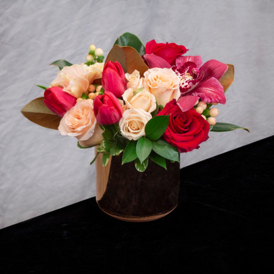 Valentine flowers, Seattle flower delivery, high end flowers, home accents, gifts, local flowers