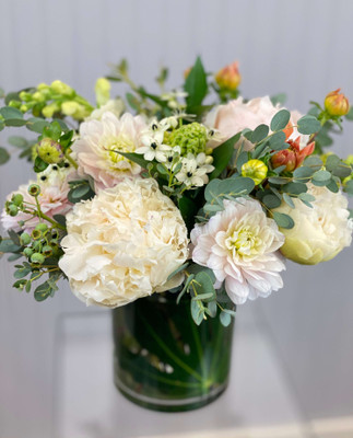 Peonies and Dahlias spring and summer flower favorites