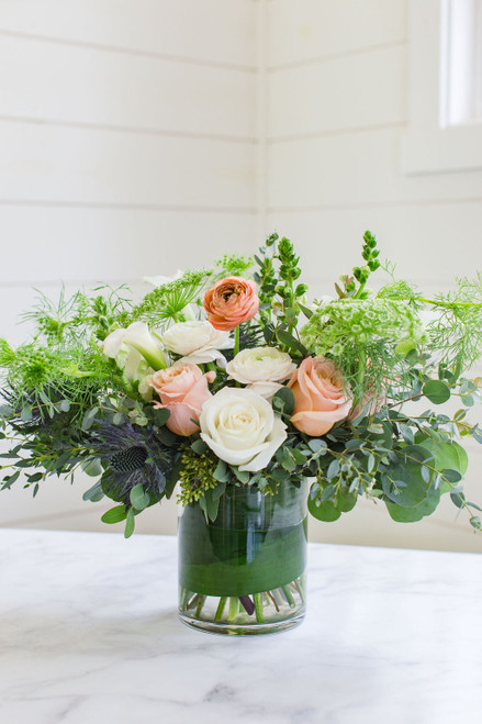 Wild at Heart wispy natural floral design. Fun and subtle tones for the free spirit flower lover. Seattle flower delivery by Juniper flowers