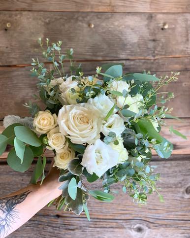 Image of Hand-Tied Bouquet Workshop : April 11, 2020 3:30pm-5:30pm