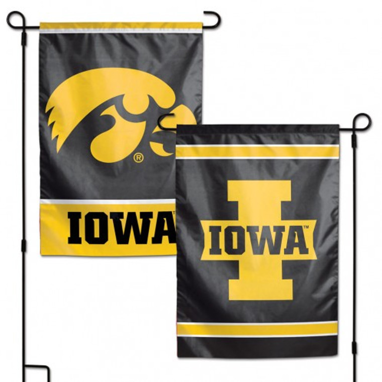 """<span>These garden flags are a great way to show who your favorite team is, and also makes a great gift! They are a great addition to any yard or garden area. They are 11""""x15"""" in size, are made of a sturdy polyester material, and feature bright eye-catching graphics. Pole not included. Made By Wincraft.</span>"""