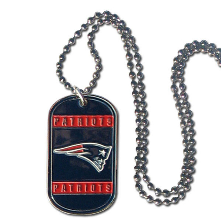 Expertly crafted tag necklaces featuring fine detailing and a hand enameled finish with chrome accents. 26 inch chain. Fully cast team emblem. Made by Siskiyou Gifts.