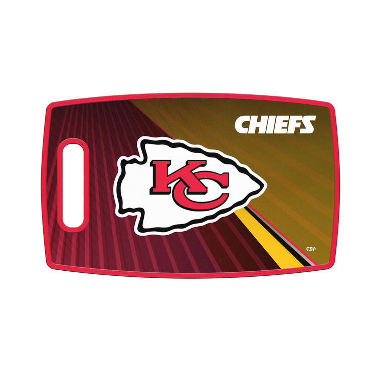 <span>Show off your team pride and safely cut your food on our 14 &frac12;&rdquo; x 9&rdquo; heavy-duty plastic cutting board. Highly detailed team logo and team colors on both sides. Features built-in handle, slightly raised board edge and easy-to-clean surface. Made by The Sports Vault.</span>