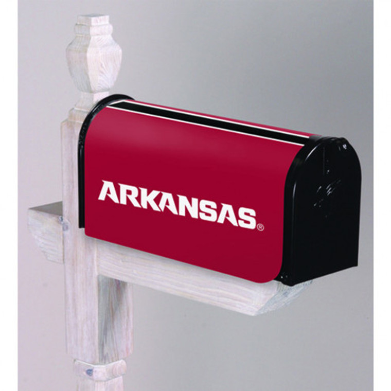 "These officially licensed Mailbox covers are made of 100% all-weather and fade-resistant nylon with sewn in megnetic strips to hold tight to the mailbox. Features embroidered logo and team name. Measures approx. 20"" x 18"" when laid flat. Made by Evergreen Enterprises."