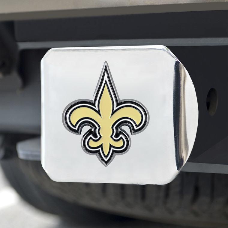 """Keep your hitch clear of debris and let everyone see your favorite team. Fits all 2"""" square type III hitches. These heady duty hitch covers are made from a rust resistant metal to make sure they last for years in any weather conditions. The team logo is 3D to really pop off the hitch face. Keep to logo looking like new by just Appling standard vehicle wax. Installation is a breeze no tools necessary, but you will have to make sure that it is attached securely with a pin. Made by FanMats."""