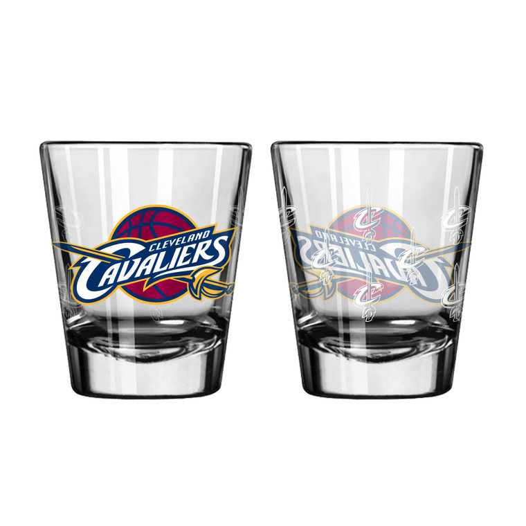 A staple for any sports display! This set of 2 comes in a clam shell and features color team logo with satin etch repeated pattern. Perfect for everything from pre-season drinks to championship cheers. Made by Boelter Brands. Made By Boelter Brands