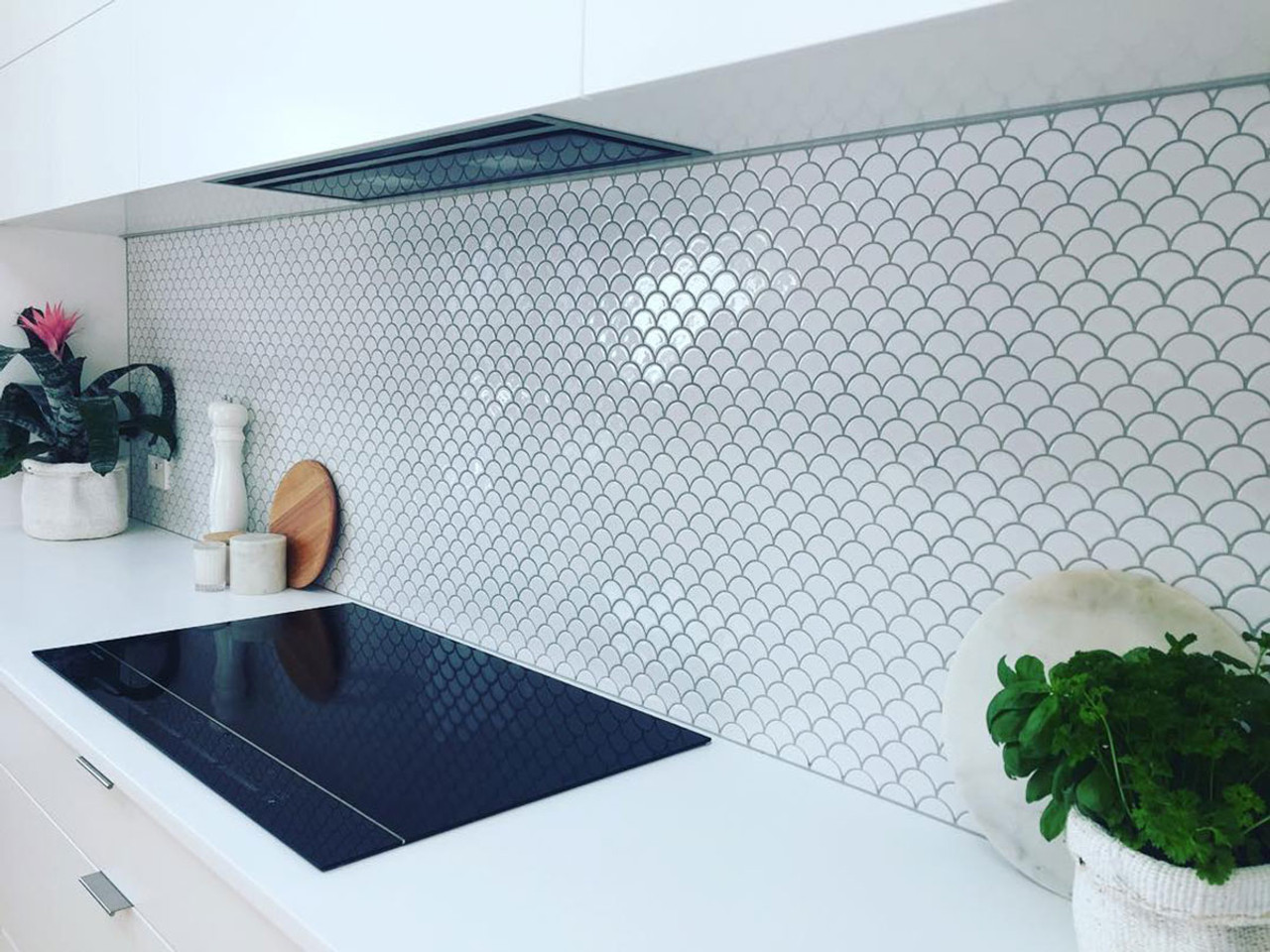 White Gloss Fishscale Mosaic Tile Space